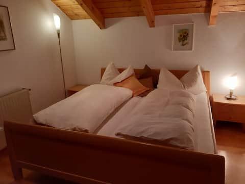 Vermiete ein Doppelzimmer in einem Holzhaus