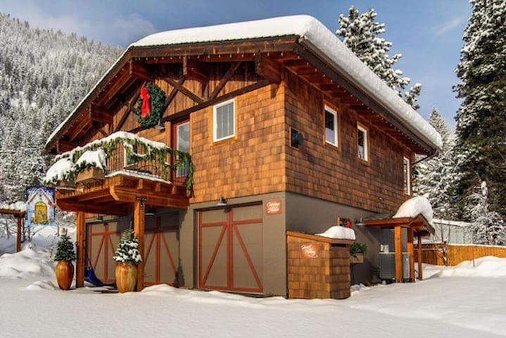 Carriage House - Leavenworth - Dom