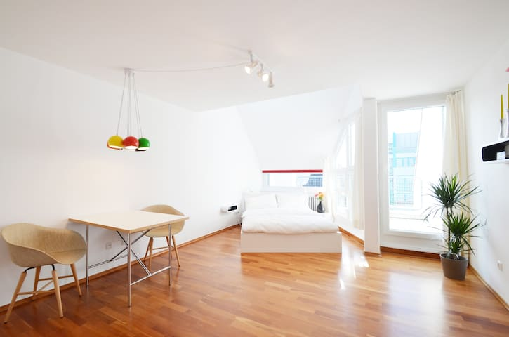 Beautiful studio in great location - Munich - Apartment