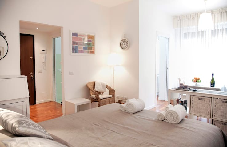 Beautiful flat in Milano center !!! - Milà - Pis