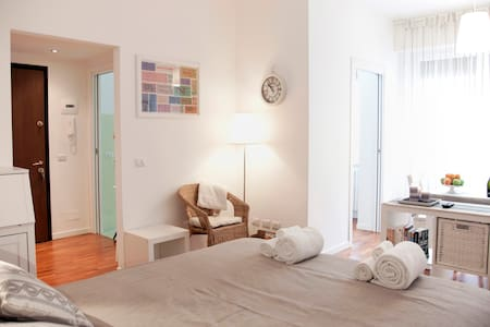 Beautiful flat in Milano center !!! - Milan