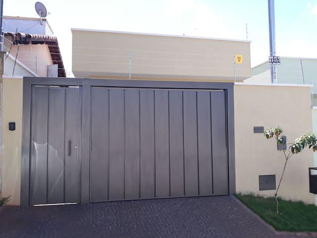 Casa Nova e Confortável próximo a Tecnoshow