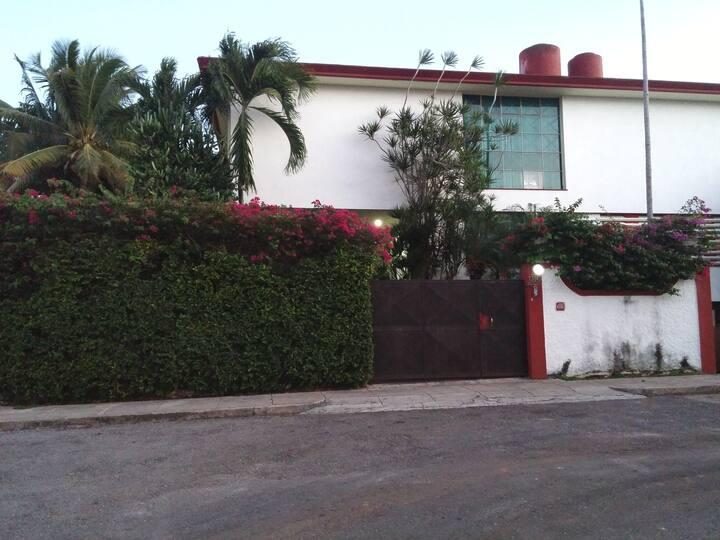 Red House Nuevo Vedado