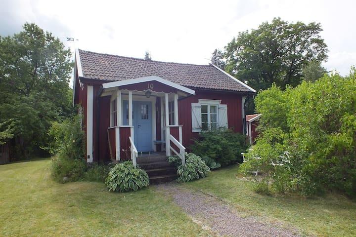 Mysig stuga i Glasriket - Emmaboda - Casa de campo