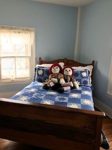 Bedroom 2--Antique Full Bed