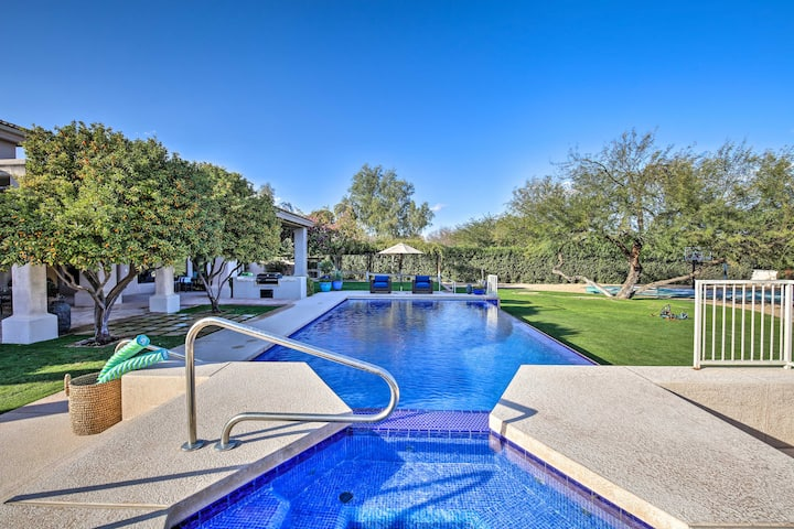 Lavish Paradise Valley Home w/ Sports Court & Pool