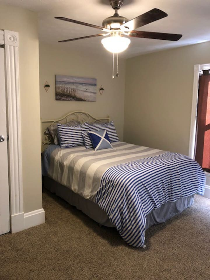 Guest Bedroom - Private