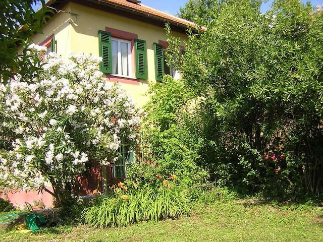 Magical Villa Rosa, Camogli, with garden & parking - Camogli - Casa