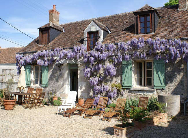 Pretty sunny 2 bed cottage nr Chenonceaux