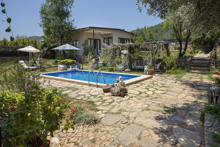 Private Pool and Garden in Bodrum Spacious 3 Br