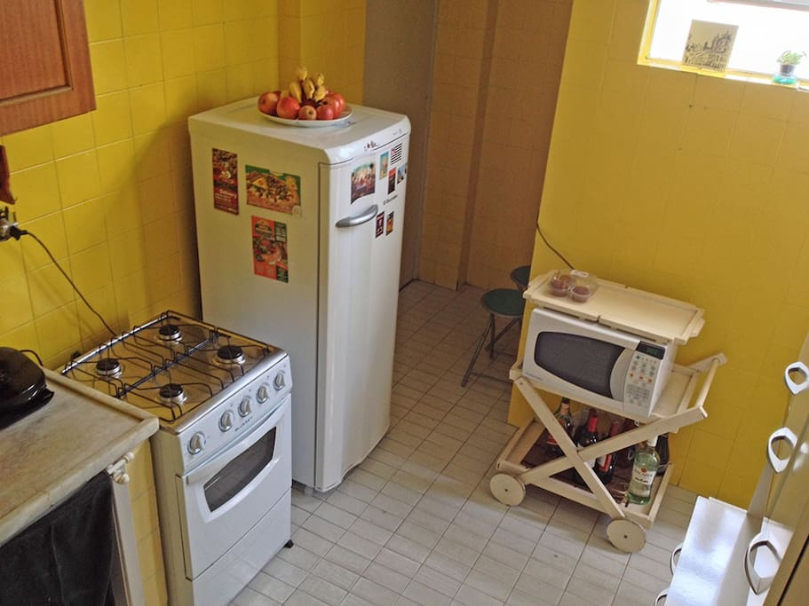 A yellow kitchen give you the taste of our love for good and slow food.
