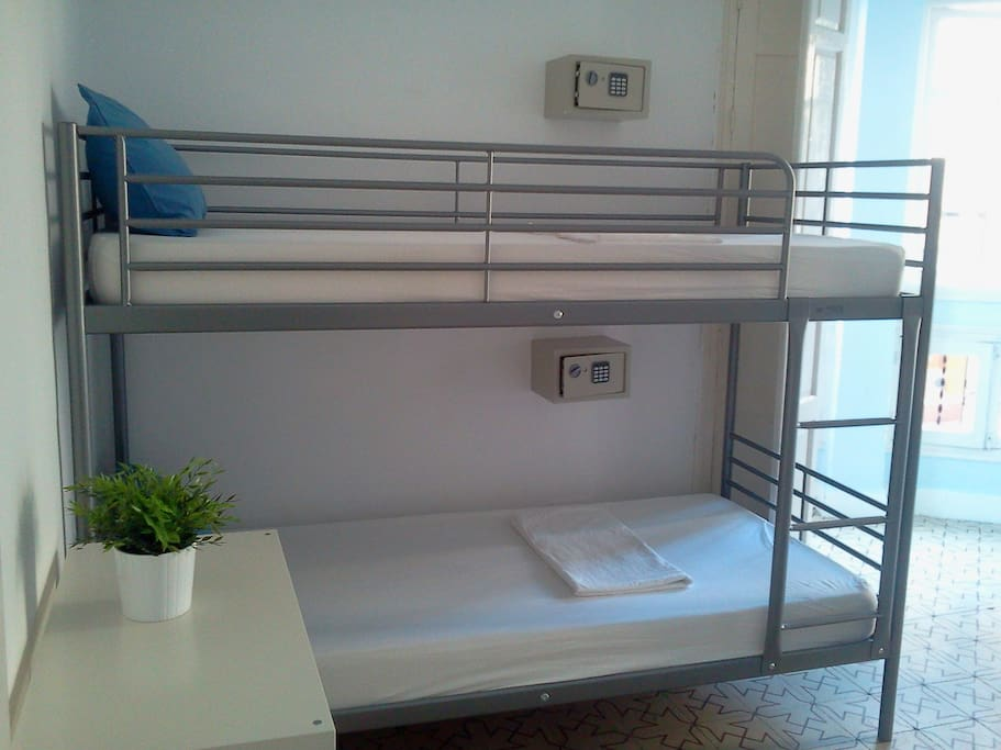 Bright central hostel with sun terrace bed and for Beds 4 u malaga