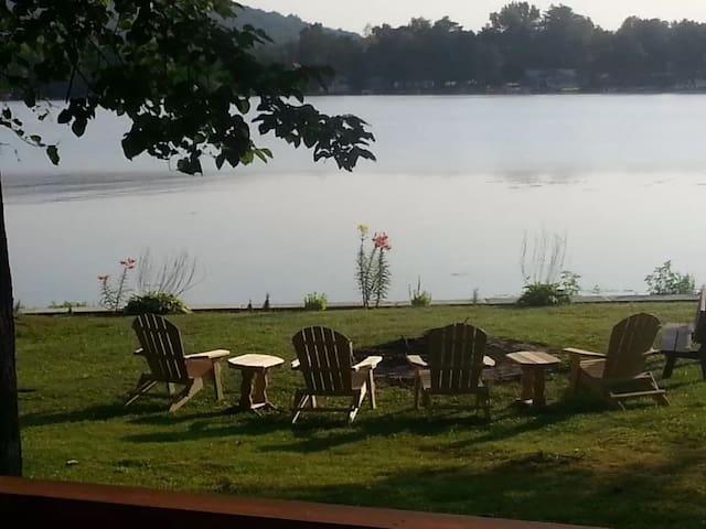 The Riesling Retreat - Lamoka Lake - New Listing!