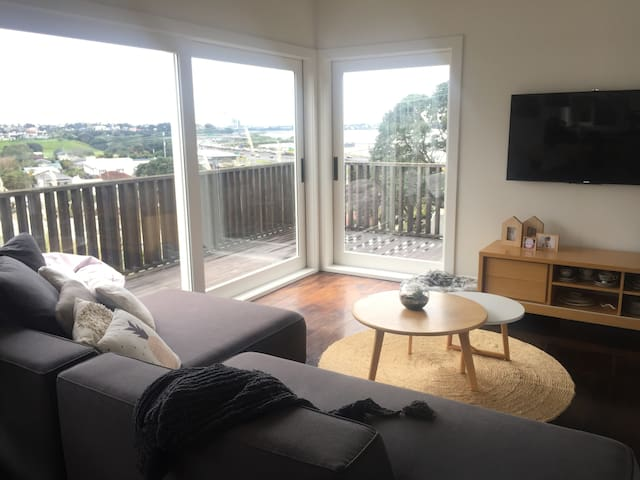 Northcote Point Family Home