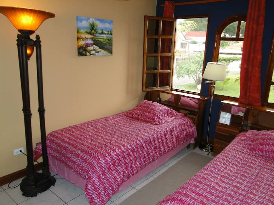 Bedroom with 2  SGL  Beds