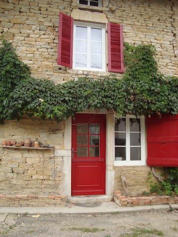 maison proche Bourg en Bresse 9 personnes