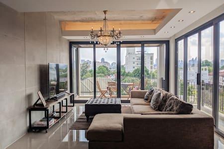 2BR-SUNSET PENTHOUSE-Phrakhanong BTS-漂亮的房子
