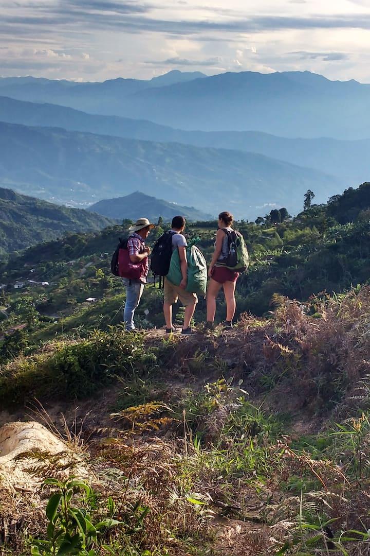 Senderos y paisaje de montaña