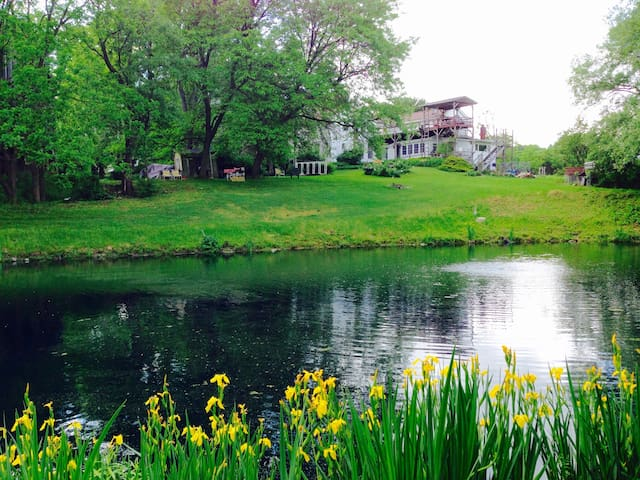 SPECIAL 19th C. Farmhouse Apt, Pond &140 Acre Res. - Marietta - Appartement