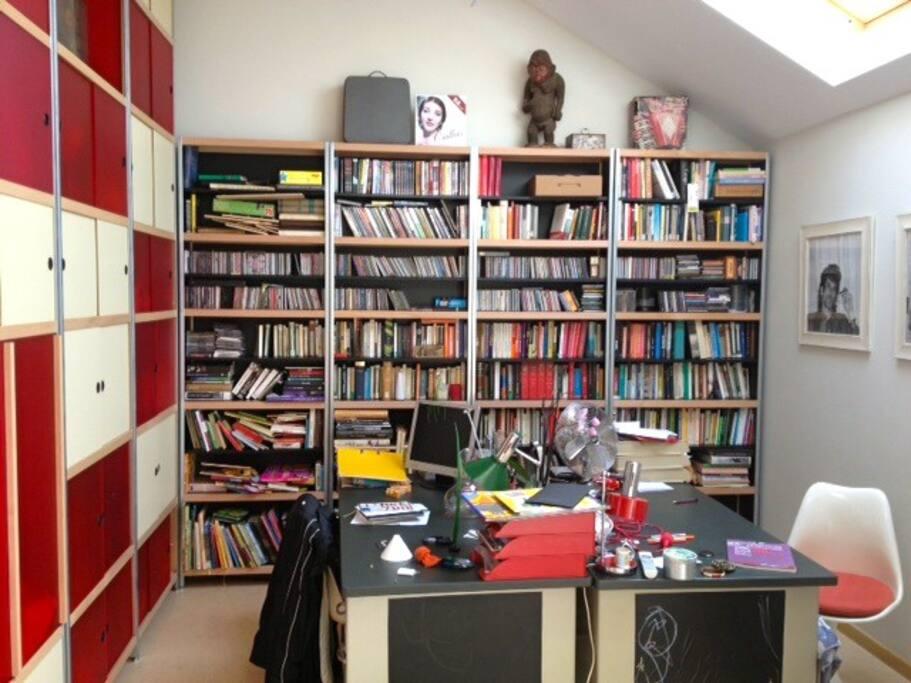 Multi-linguistic library