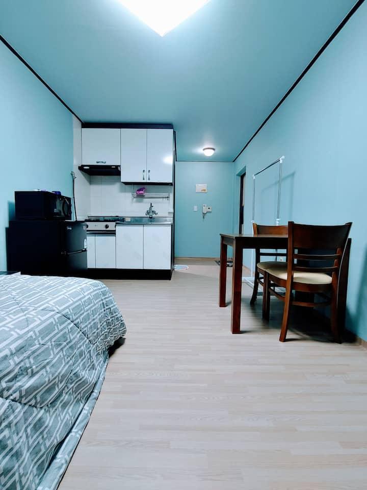 조용하고 깨끗한 가성비 좋은 숙소(영통역1km,삼성전자0.8km)