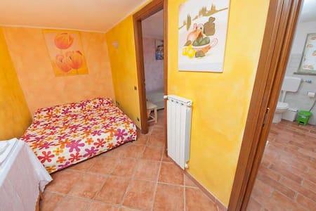 B&B Alla Quercia - ORANGE ROOM - Monterotondo