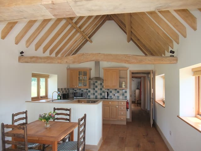 Moorhen Cottage on Court Lodge Farm - Herstmonceux - House