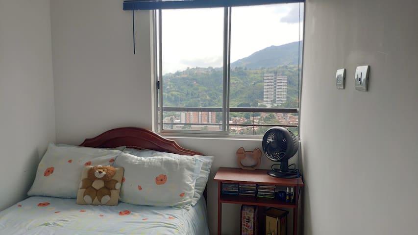 Bella habitación en la Estrella Antioquia