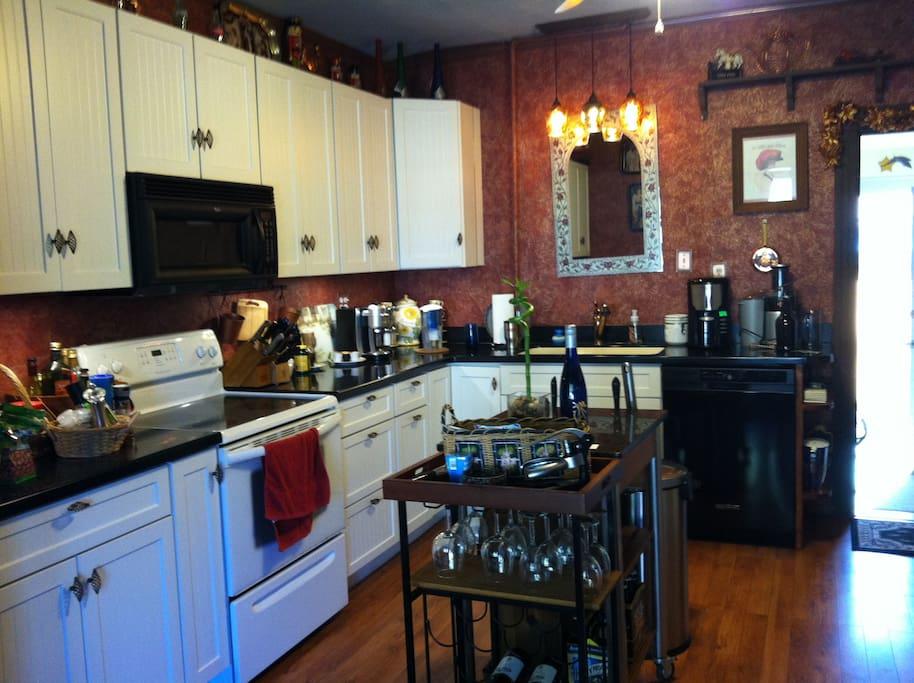 Spacious kitchen...