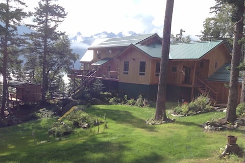 Rainbow Country Lodge Ocean Front w/ Glacier Views