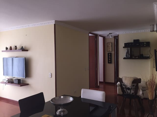 Apartament near airport with pool