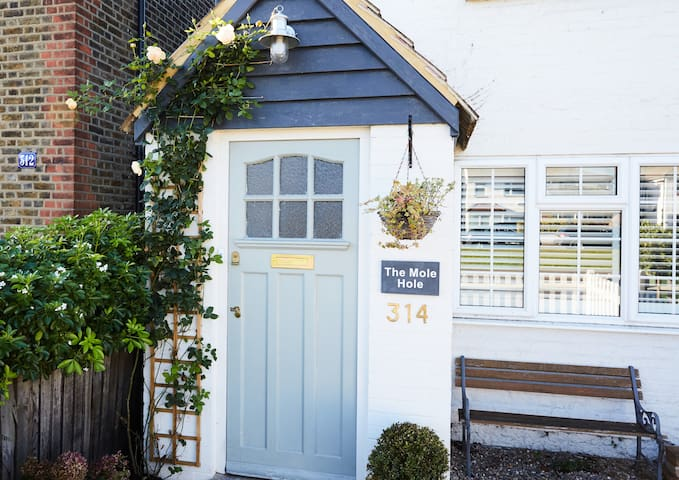 The Mole Hole - 2 bed Cottage
