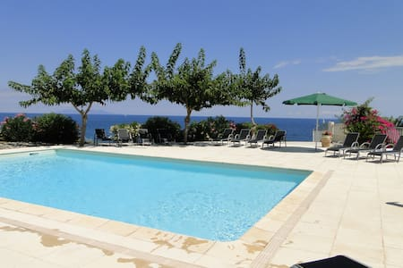 maison vue mer, piscine, cap corse - Luri - Huis