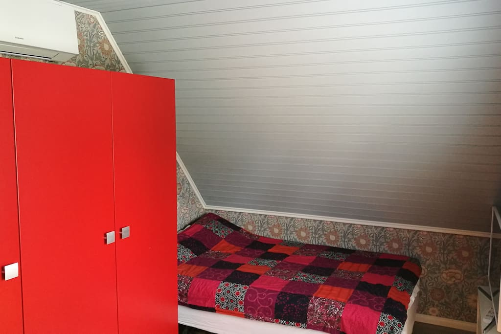 120 cm wide bed, 1/3 of the storage cupboard for guests, air conditioner