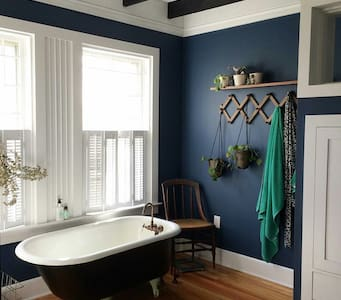 Cottage Master Suite with Vintage Clawfoot Tub - Long Branch