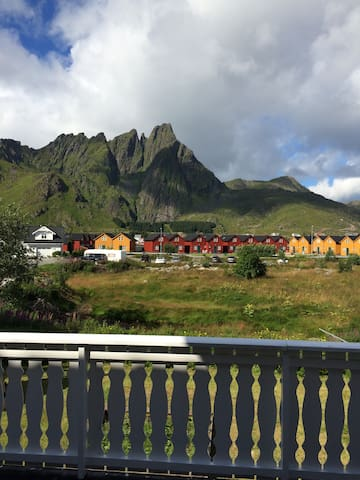 Ballstad, villa in the middel of Lofoten. - Ballstad - Ev