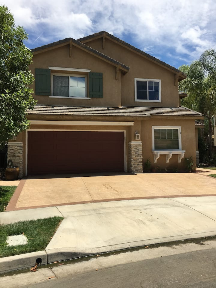 5 Bd Family Home in North Murrieta