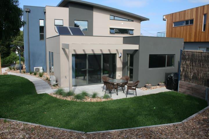 AireysEscape Coastal Heathlands Apt - 艾瑞斯河口 - 公寓