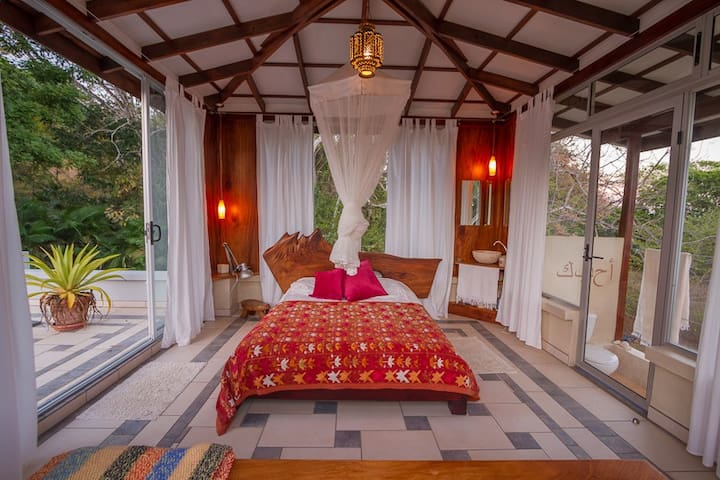 Romantic Artist Loft at Casa Maroc