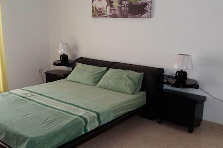 Chambre privée à Swieqi (Paceville) - Appartement
