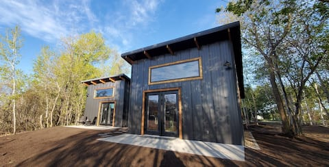 Modern Cabin - Loon Overlook on Bass Lake KAYAKS!