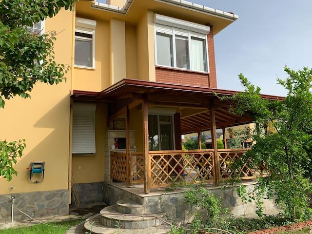 Pretty Villa for a Nice Getaway