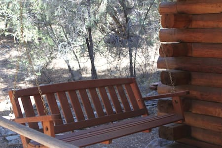 Eat Bacon & Relax - Authentic Log Cabin Experience - Pine Mountain Club - Cabin