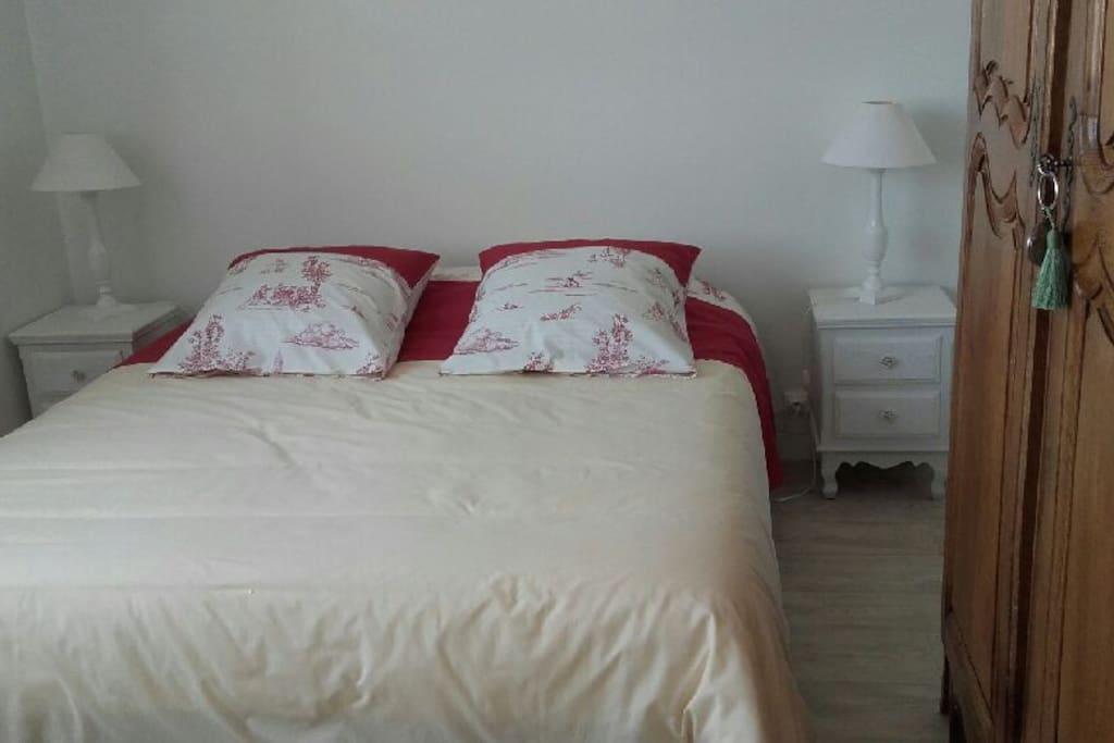chambre 1 personne petit d jeuner et v lo appartements. Black Bedroom Furniture Sets. Home Design Ideas