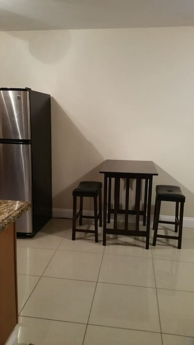 Kitchen Table with 2 Stools