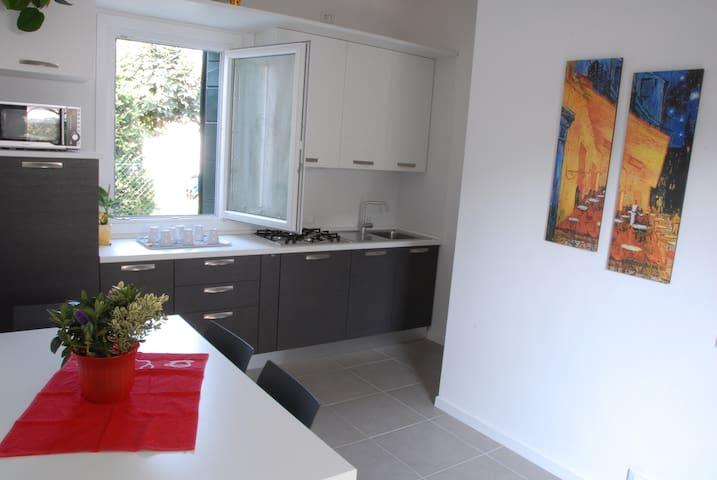 Casa singola con giardino - Mestre  Venezia - House