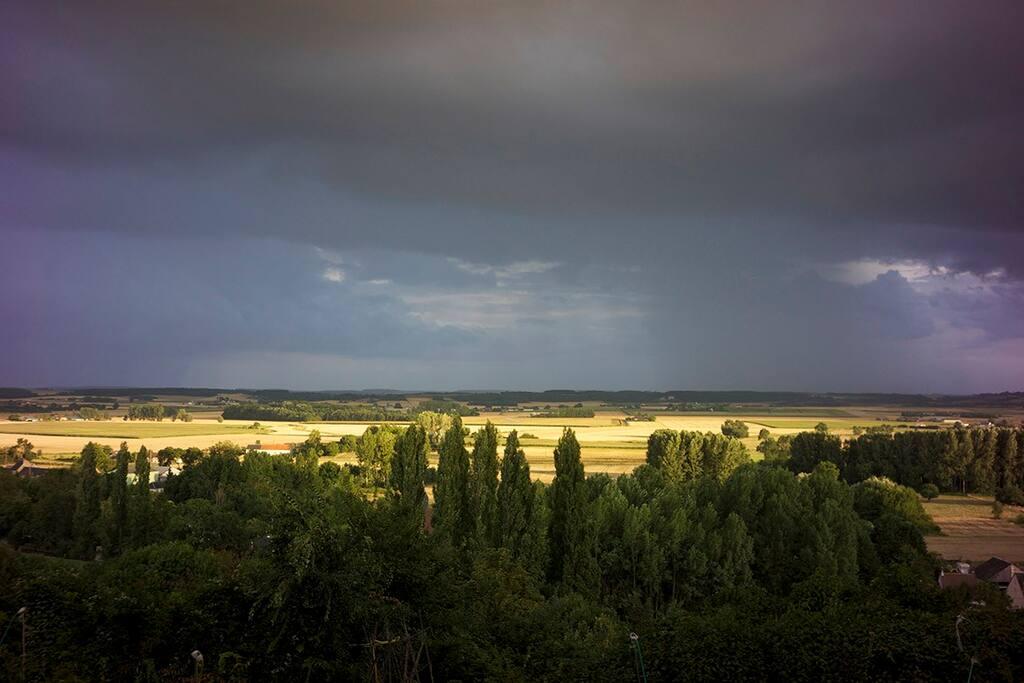 Vue imprenable sur la vallée du Loir.