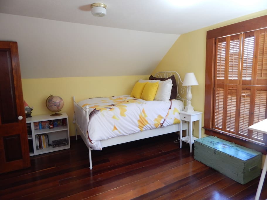 The Yellow Room—bright and sunny
