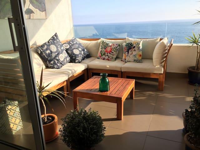 Elegante Departamento con Vista a Playa Brava