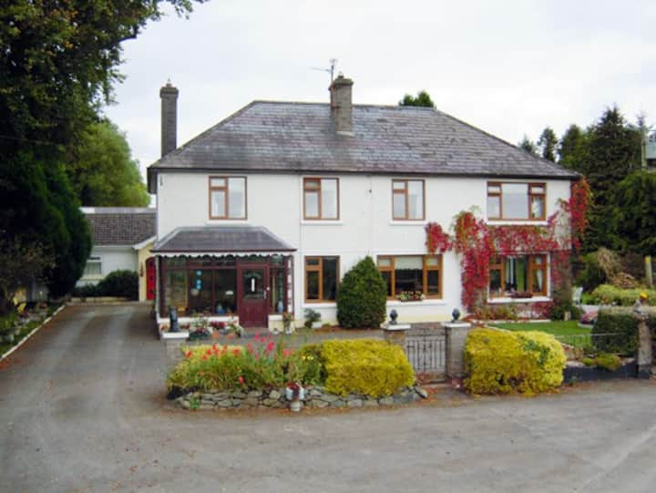 Mundy's Ford House Cavan Town